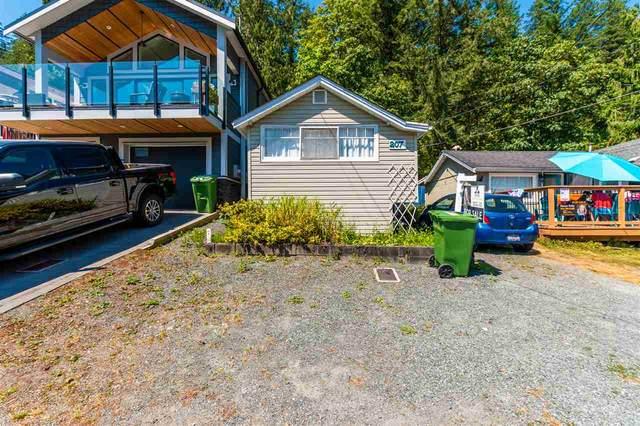 207 Lakeshore Drive, Cultus Lake, BC V2R 5A1 (#R2481878) :: 604 Realty Group