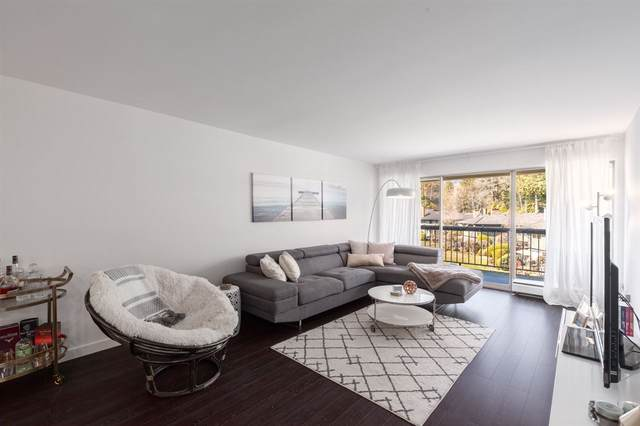 235 Keith Road #1255, West Vancouver, BC V7T 1L5 (#R2492213) :: Initia Real Estate