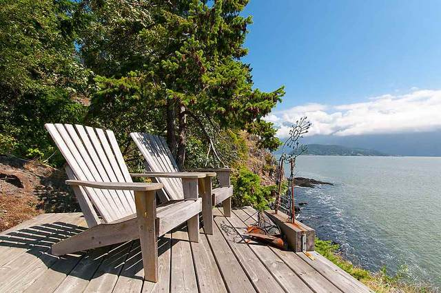 1531 Eaglecliff Road, Bowen Island, BC V0N 1G1 (#R2492805) :: 604 Realty Group