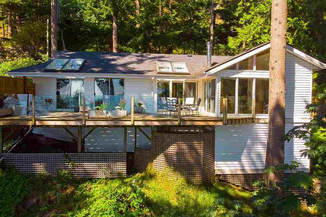 1477 Eaglecliff Road, Bowen Island, BC V0N 1G1 (#R2494751) :: 604 Realty Group