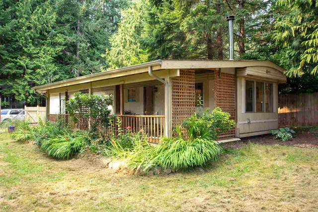 3352 Spruce Road, Roberts Creek, BC V0N 2W2 (#R2504921) :: Initia Real Estate