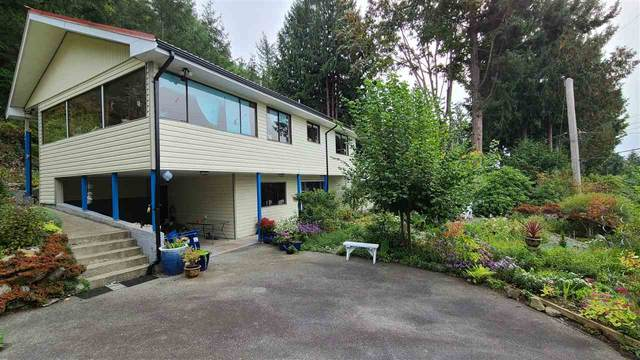 12878 Dogwood Drive, Madeira Park, BC V0N 2H0 (#R2505833) :: Initia Real Estate
