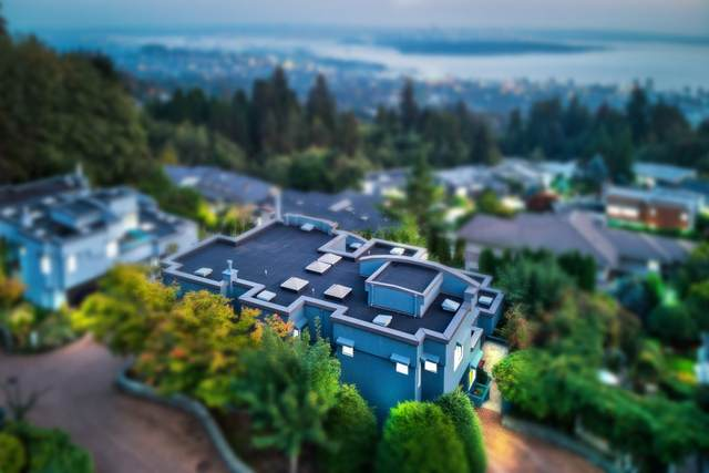 2611 Westhill Way, West Vancouver, BC V7S 3G9 (#R2507585) :: Initia Real Estate