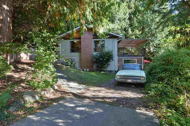 2590 Sylvan Drive, Roberts Creek, BC V0N 2W4 (#R2507639) :: Initia Real Estate