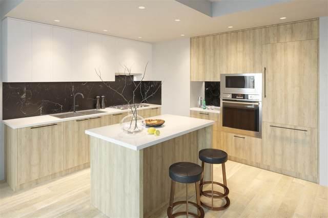 218 Blue Mountain Street #903, Coquitlam, BC V3K 4H2 (#R2510698) :: Initia Real Estate