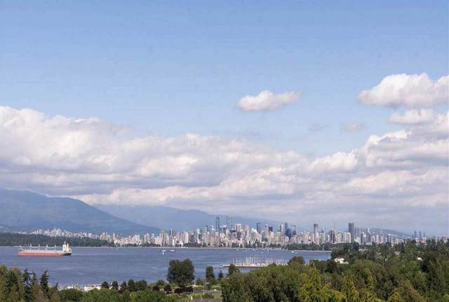 4374 W 8TH Avenue, Vancouver, BC V6R 2A1 (#R2510999) :: Initia Real Estate