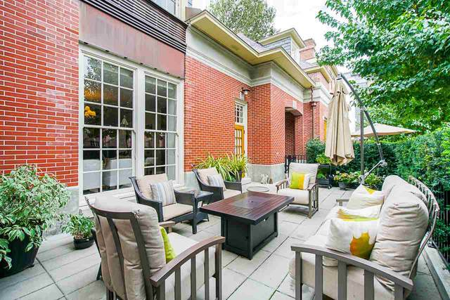 1529 Atlas Lane, Vancouver, BC V6P 0C9 (#R2511078) :: Initia Real Estate