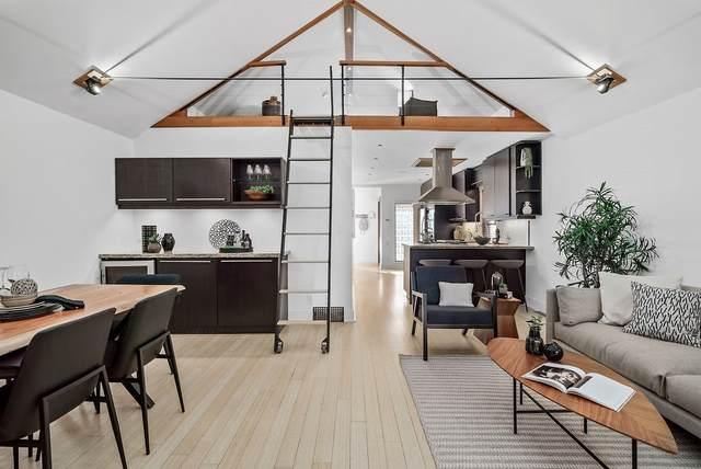548 E 21ST Avenue, Vancouver, BC V5V 1R6 (#R2511759) :: Initia Real Estate