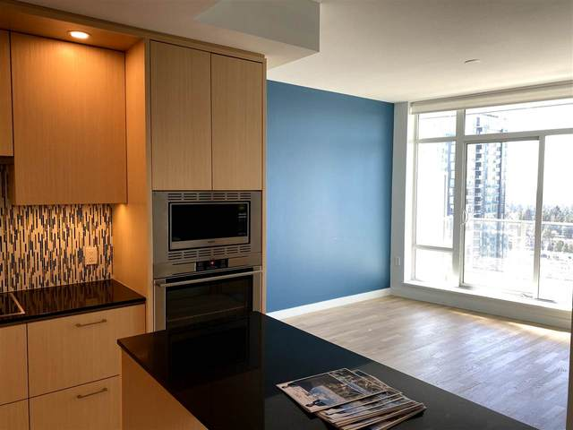 13495 Central Avenue #2808, Surrey, BC V3T 0K2 (#R2512749) :: Initia Real Estate