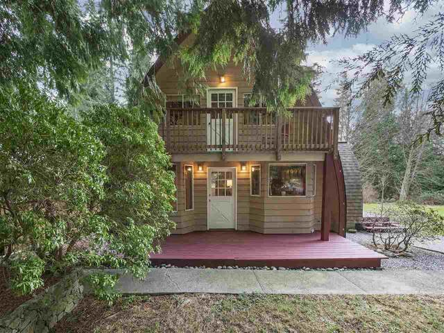1031 Fircrest Road, Gibsons, BC V0N 1V4 (#R2530282) :: Initia Real Estate