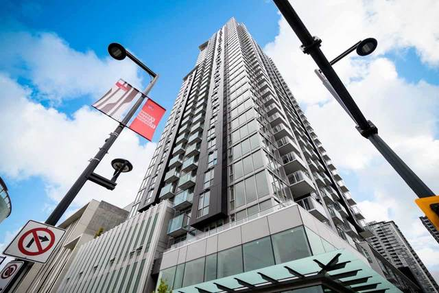13438 Central Avenue #3502, Surrey, BC V3T 0N2 (#R2530507) :: Premiere Property Marketing Team