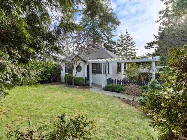 13474 16 Avenue, Surrey, BC V4A 1P5 (#R2531651) :: Homes Fraser Valley