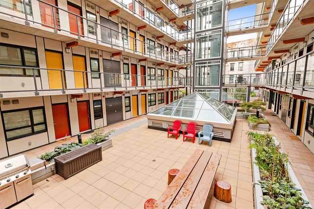 138 E Hastings Street #204, Vancouver, BC V6A 1N4 (#R2542190) :: Macdonald Realty