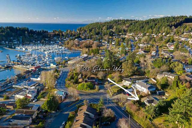 565 Gibsons Way, Gibsons, BC V0N 1V9 (#R2542306) :: 604 Realty Group