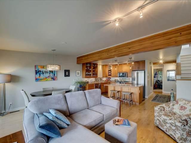 5396 Wakefield Beach Lane, Sechelt, BC V0N 3A8 (#R2546828) :: Homes Fraser Valley