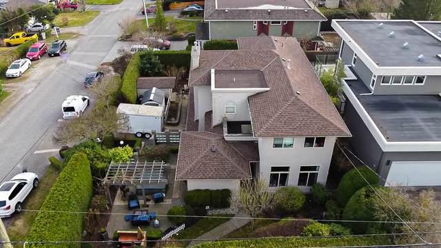 15736 Buena Vista Avenue, White Rock, BC V4B 1Z7 (#R2547533) :: Macdonald Realty