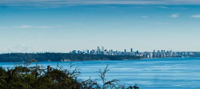 4111 Burkehill Road, West Vancouver, BC V7V 3L9 (#R2563402) :: Initia Real Estate
