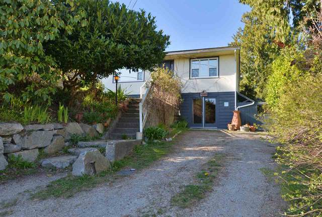 698 Hillcrest Road, Gibsons, BC V0N 1V9 (#R2565712) :: RE/MAX City Realty