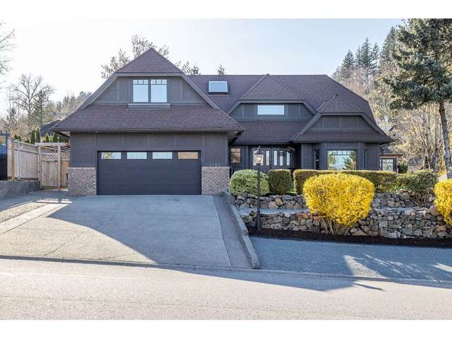 2465 Mountain Drive, Abbotsford, BC V3G 1E9 (#R2566295) :: Initia Real Estate