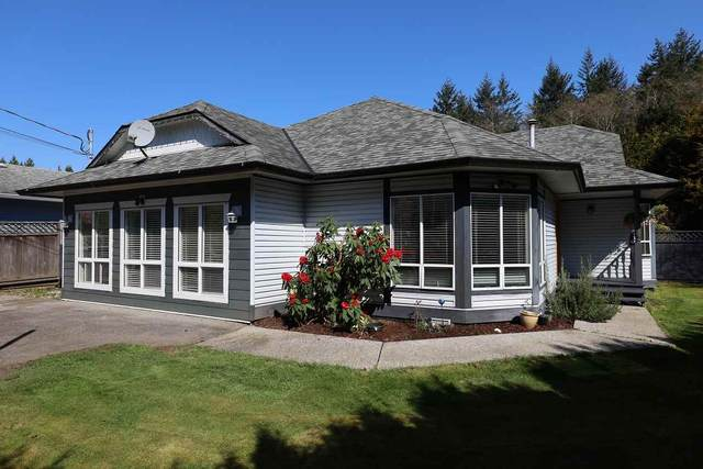 1546 Larchberry Way, Gibsons, BC V0N 1V5 (#R2567068) :: Initia Real Estate