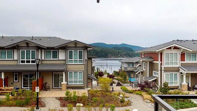 5948 Oldmill Lane, Sechelt, BC V0N 3A3 (#R2577067) :: RE/MAX City Realty