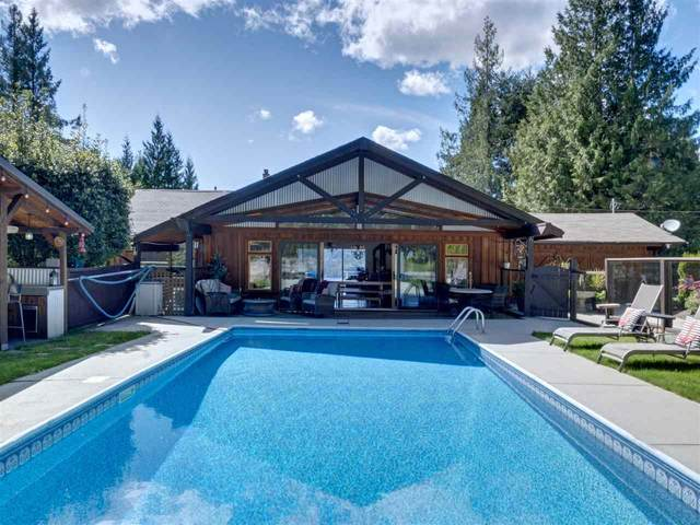 7117 Sechelt Inlet Road, Sechelt, BC V0N 3A4 (#R2578615) :: RE/MAX City Realty