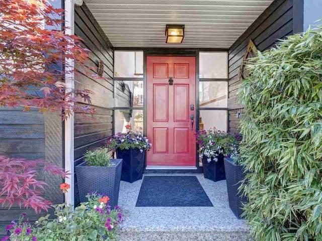 556 Seaview Road, Gibsons, BC V0N 1V9 (#R2581030) :: RE/MAX City Realty