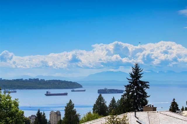 1735 Queens Avenue, West Vancouver, BC V7V 2X6 (#R2585274) :: Initia Real Estate