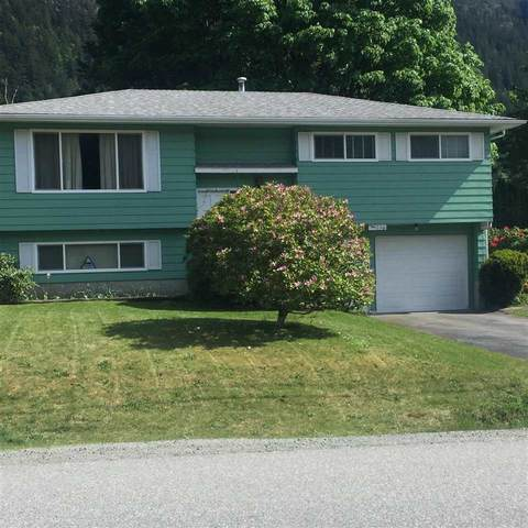 38250 Chestnut Avenue, Squamish, BC V8B 0X2 (#R2588611) :: Premiere Property Marketing Team