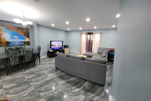 13746 67 Avenue #164, Surrey, BC V3W 6X6 (#R2592062) :: Premiere Property Marketing Team