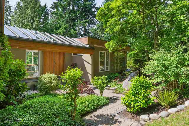 5755 Seaview Place, West Vancouver, BC V7W 1R7 (#R2592860) :: 604 Home Group