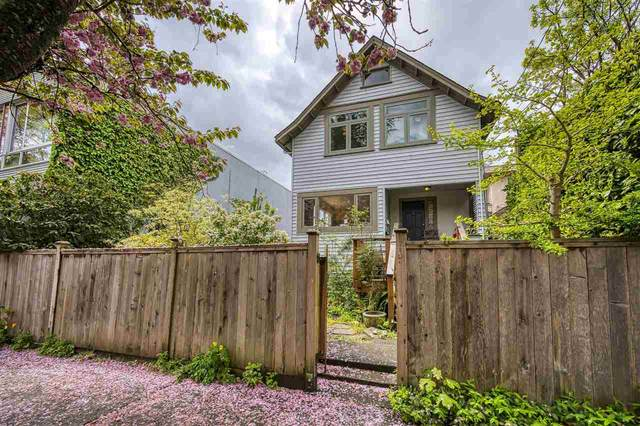2321 Yew Street, Vancouver, BC V6K 3H1 (#R2593944) :: Initia Real Estate