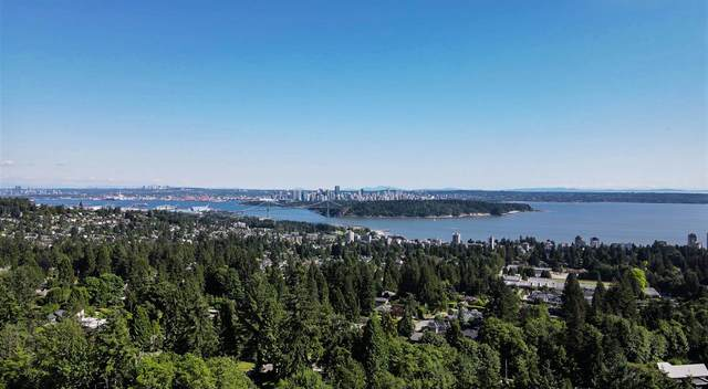2102 Westhill Place, West Vancouver, BC V7S 2Z4 (#R2594860) :: 604 Realty Group