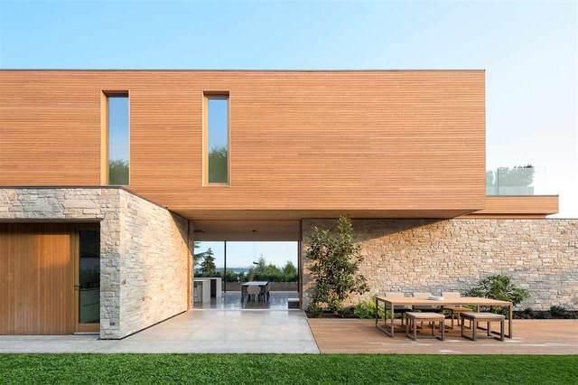 4109 Burkehill Road, West Vancouver, BC V7V 3L9 (#R2596830) :: Initia Real Estate