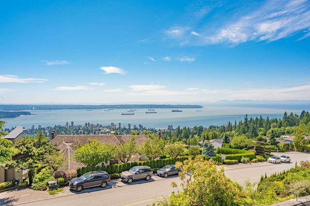 2559 Westhill Drive, West Vancouver, BC V7S 3B7 (#R2597852) :: Initia Real Estate