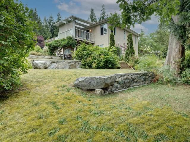 2870 Robinson Road, Roberts Creek, BC V0N 2W4 (#R2598267) :: Initia Real Estate