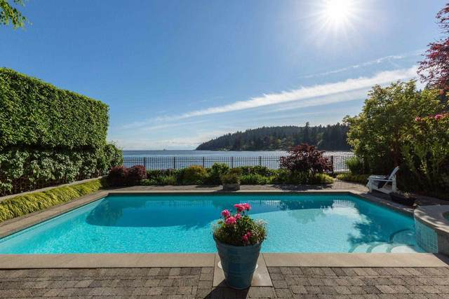 4472 Ross Crescent, West Vancouver, BC V7W 1B2 (#R2598864) :: 604 Home Group
