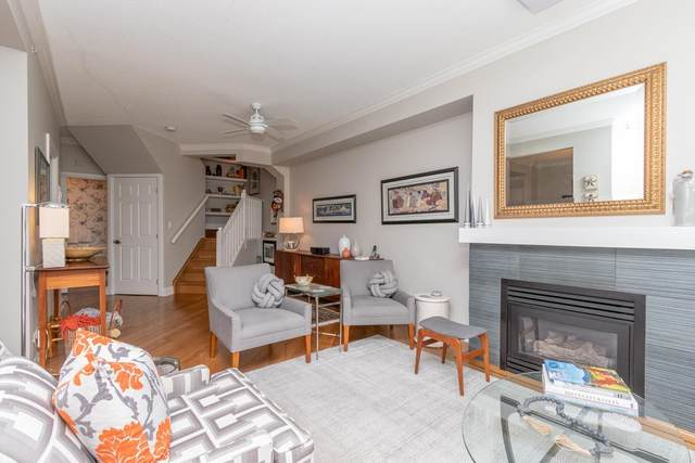 3600 Windcrest Drive #112, North Vancouver, BC V7G 2S5 (#R2599081) :: Initia Real Estate