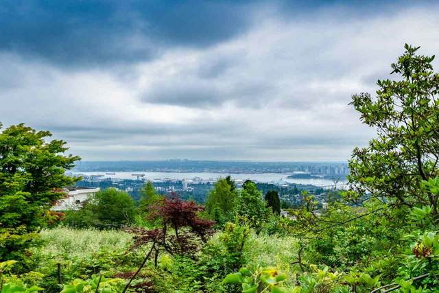 1418 Bramwell Road, West Vancouver, BC V7S 2N9 (#R2599198) :: Initia Real Estate
