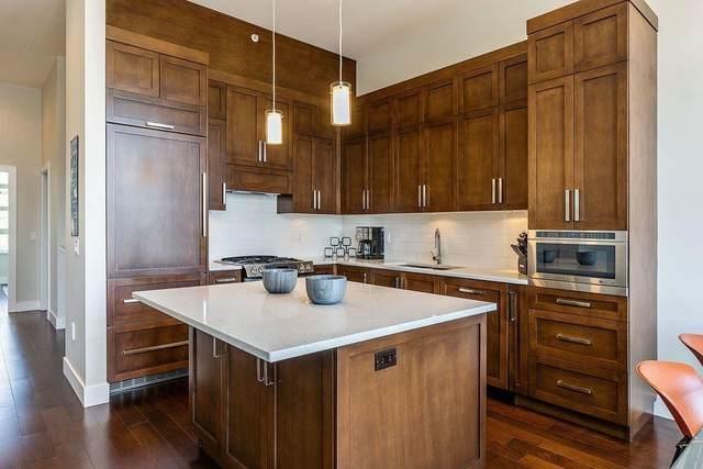 13585 16 Avenue #209, Surrey, BC V4A 1P6 (#R2600810) :: Premiere Property Marketing Team