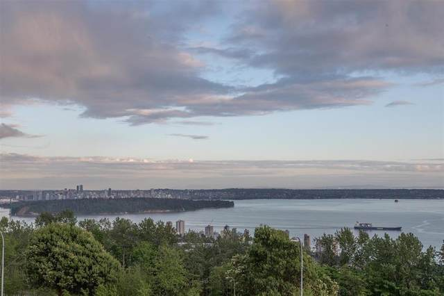 2206 Folkestone Way #1, West Vancouver, BC V7S 2X7 (#R2601084) :: Initia Real Estate