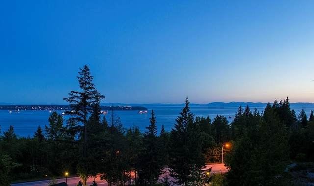 2996 Burfield Place, West Vancouver, BC V7S 0A9 (#R2601167) :: Initia Real Estate