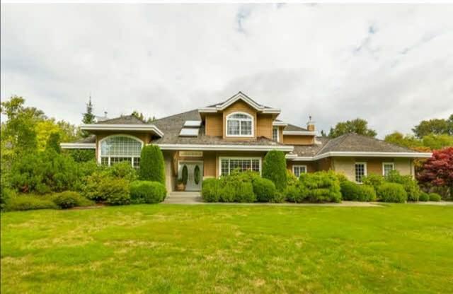 16939 18 Avenue, Surrey, BC V3Z 9X3 (#R2602123) :: Initia Real Estate