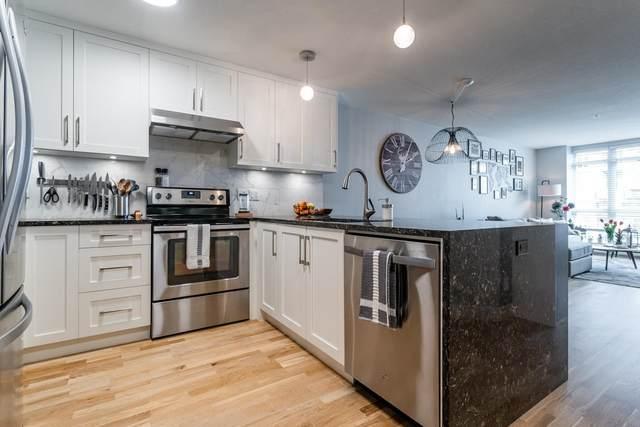 3142 St Johns Street #206, Port Moody, BC V3H 5E5 (#R2602260) :: Initia Real Estate