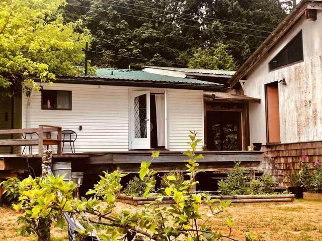 2897 Sunshine Coast Highway, Roberts Creek, BC V0N 2W4 (#R2602692) :: Initia Real Estate