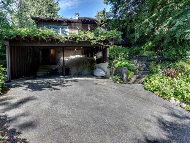 6419 Wellington Avenue, West Vancouver, BC V7W 2H7 (#R2602693) :: Initia Real Estate