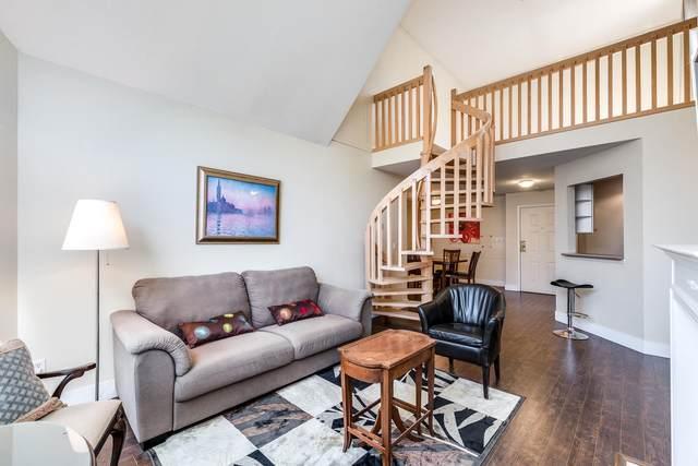7171 121 Street #303, Surrey, BC V3W 1G9 (#R2603332) :: Initia Real Estate