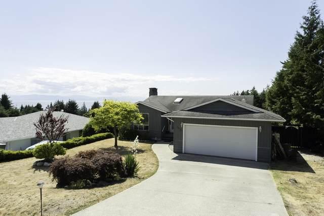 5013 Laurel Avenue, Sechelt, BC V7Z 0B9 (#R2604262) :: Premiere Property Marketing Team