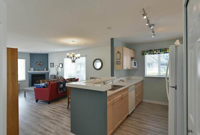 5711 Ebbtide Street #201, Sechelt, BC V7Z 0J5 (#R2604441) :: Premiere Property Marketing Team