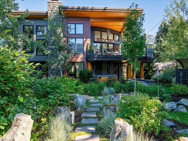 7205 S Fitzsimmons Road, Whistler, BC V8E 0E6 (#R2609525) :: Initia Real Estate